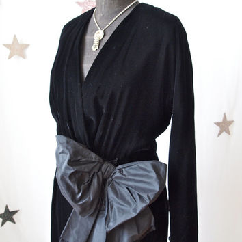 Vintage Oscar de la Renta Designer 70's does 40's Black Velvet Dress with Large Taffeta Bow