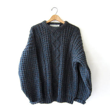 vintage speckled wool sweater. oversized sweater. chunky knit pullover. Hand loomed Irish Sweater. Cable Knit.