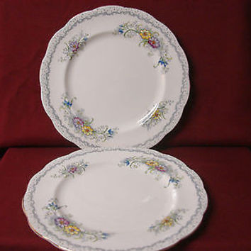 Royal  Albert. White China dinnerware Gem. set 2 Dinner Plate