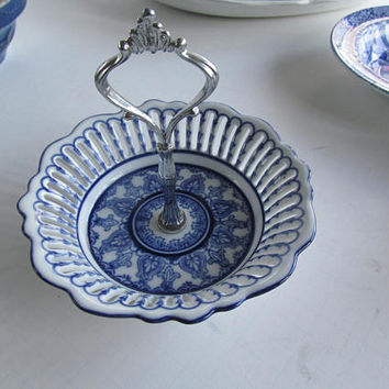 Beautiful Flow Bowl Flow Blue Bowls  Blue and White China Bowl Cobalt Blue Floral Plate Presentation Caddy Candy Dish Reticulated Plates