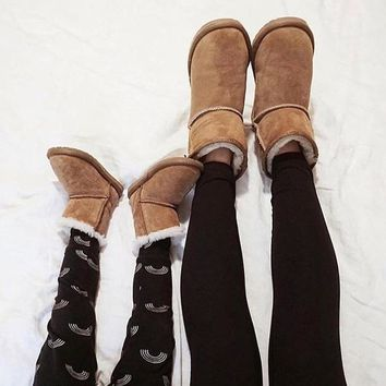 """""""UGG"""" Winter Classic Fashionable Women Cute Ankle Wool Snow Boots Brown I/A"""