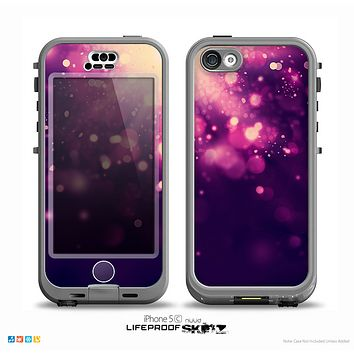 The Dark Purple with Desending Lightdrops Skin for the iPhone 5c nüüd LifeProof Case