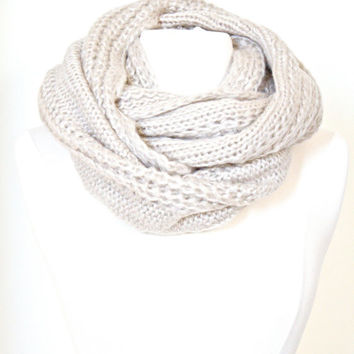 Chunky Cable Knit Infinity Scarf , Ivory Knit Circle Loop Scarf, knit Women Fashion Accessories Scarves - Gift Ideas - Trending Items