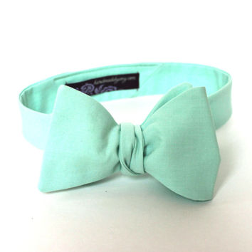 Men's Bow Tie - Mint Green Solid Bowtie - Freestyle self tie - Adjustable