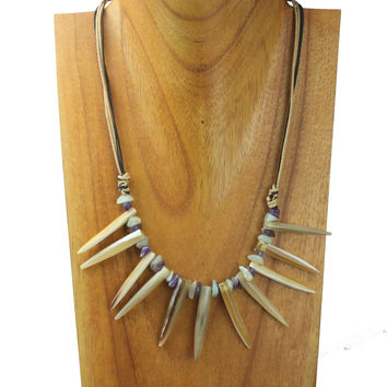 Horn necklace with small spikes, green quartz and amethyst scales. NS-105