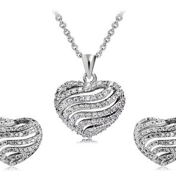 925 Silver Plated Crystal Heart Shaped Earrings & Necklace Set (Silver)