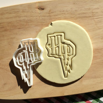 Harry Potter Cookie Cutter HP Cookie Cutter Cupcake topper Fondant Gingerbread Cutters Solemnly Mischief Cookie Cutter