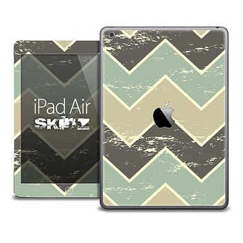 The Vintage Chevron Grunge Green Skin for the iPad Air