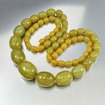 Vintage Art Deco Necklace Graduated Bakelite Bead Marbled Green Long Vintage 1920s Art Deco Jewelry Antique
