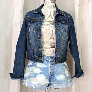 Denim jacket / size S / M / dark wash / boho / grunge / jean jacket