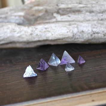 TINY Fluorite Pyramid Stones, Wiccan Altar Supplies, Jewelry Making Supplies, Natural Fluorite, Smooth Fluorite Stone, Natural Wicca Supply
