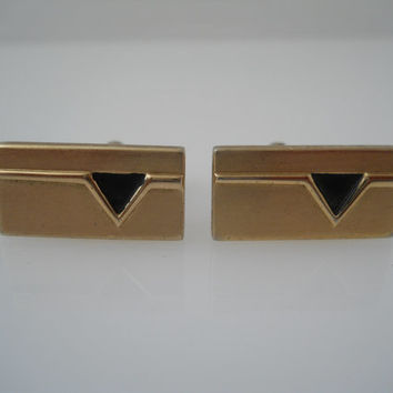 Hickok Cufflinks Gold Tone Rectangle Black Enamel Triangle Toggle Cuff Links