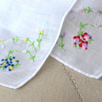 1950s Pair Embroidered Handkerchiefs Dainty Flowers on White Lawn