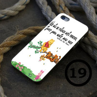 Winnie The Pooh and Friends - iPhone 4/4s, iPhone 5/5S, iPhone 5C and Samsung Galaxy S3/S4 Case.