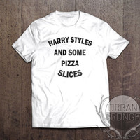 harry styles and some pizza slices tshirt-harry styles tshirt-pizza tshirt-one direction-one direction tshirt-harry styles-niall horan-1D