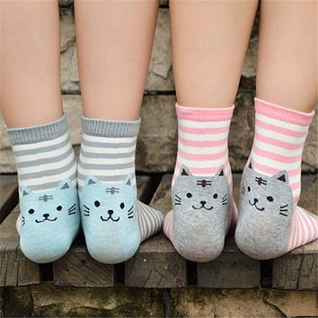 1 Pair 3D Animals Style Striped Fashion Cartoon Socks Women Cat Footprints Cute Cotton Socks Foot Meias Soks