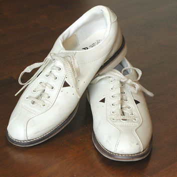 AMF Bowling Shoes Womens Size 7 US - Off-White with Brown Triangles