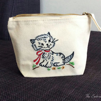 Cat Purse- Hand Embroidery- Coin Purse- Makeup bag- Cat Gifts- Cat lover- Cat bag- Embroidery bag- Accessory pouch- Kitten bag- kitten gift
