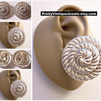 Monet Twisted Rope Pile Discs Clip On Earrings Silver Tone Vintage Large Weaved Braided Thick Round Rings Padded Big Buttons