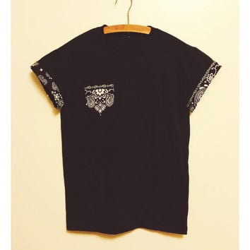 Urban Streetwear T Shirt With Paisley Bandana Print Pocket and Roll Sleeve