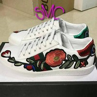 Rose Printed Gucci Trainers Customized shoes Colorway Trainers Authentic Custom Women