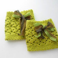 Lace green boot cuffs, boot cuff, Crochet lace boot toppers, Fall color green. Bamboo. Teenage. Women.