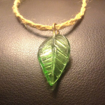 Leaf charm hemp braided necklace