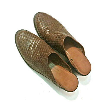 Women's leather shoes, vintage mules, slip on woven leather shoes, Brazil shoes, women's brown leather mules, vintage sandals | Brazil | 7