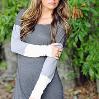 Lazy Day Top: Dark Grey/White | Hope's
