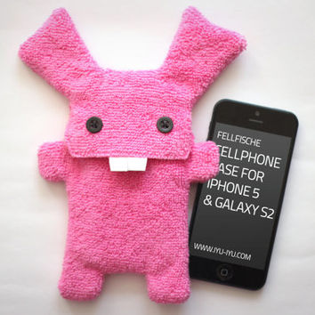 Fluffy Cellphone Case for iPhone 5 & Galaxy S2 - Fellfische - Candy Bunny