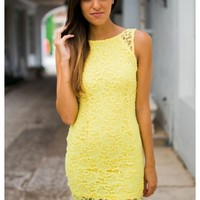 Yellow lace dress with scoop back | Summer | escloset.com