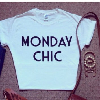 Monday chic Tshirt
