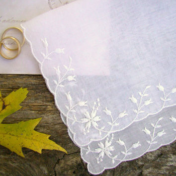 White Bride's Handkerchief, Vintage Hankie, Keepsake, Something Old, Gift for the Bride, Wedding Shower Gift