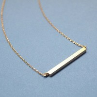Long bar necklace in gold