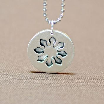 Eight point marine compass flower sterling silver pendant