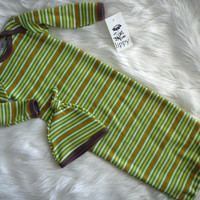 Coming Home Outfit size newborn gown and hat  Green by lippybrand