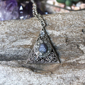 Raw Tanzanite Necklace, Pyramid Pendant, Gothic Style, Wedding Jewelry, Christmas Gift for Her, Boho Chic, Gypsy Fashion, Chakra