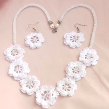 White handcochet jewelry set / Crochet jewelry/ Crochet necklace / Crochet earrings / Personalized gift