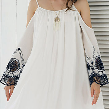 White Ethnic Lace Patchwork Dew Shoulder Dress