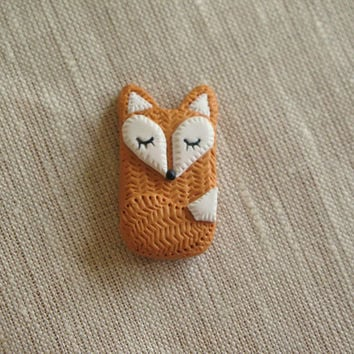 Polymer Clay Sleeping Fox, Sleeping Fox brooch, fox charm, Sleeping fox Miniature, Sleeping fox figure, sleeping Fox pendant.