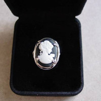 Beautiful Creatures Lena Duchannes Cameo Ring
