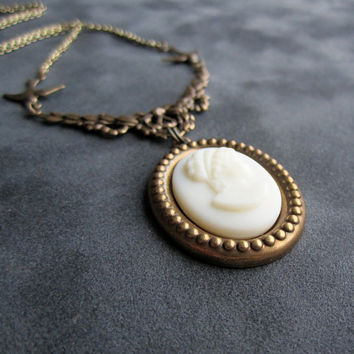 Victorian Cameo Necklace - Cream White Vintage Glass Cameo Grecian Lady - Romantic Jewelry