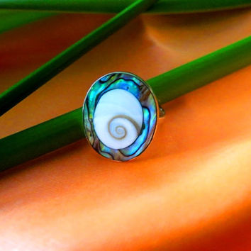 RS19 > > Size 8, Sterling Silver Large Oval White Shiva 15 MM Shell Ring Inlaid in Sterling Silver Shiva Eyes Abalone Finish Ring Jewelry