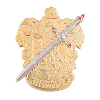 Universal Studios Harry Potter Sword of Gryffindor House Crest Pin New with Card