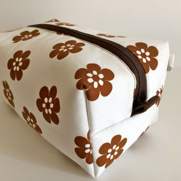 Boxy Bag Cosmetic Bag Toiletry Bag Travel bag Makeup Bag in Brown Flower