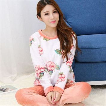 LMFG8W 2017 Spring Winter Anti Cold Keep Warm Women Flannel Pajamas Sets of Sleepcoat & Bottoms Lady Thermal Coral Fleece Nightwear