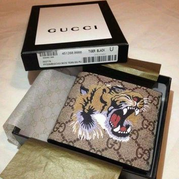 DCCKIN2 Authentic Men's Gucci Tiger Print Supreme BiFold Wallet GG
