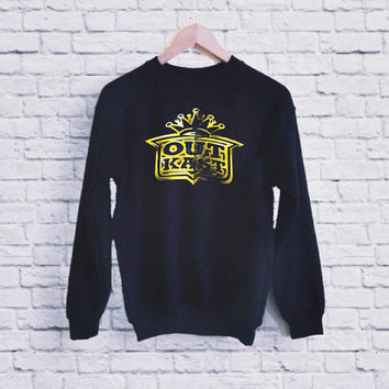 Out Kast Logo UNISEX SWEATSHIRT heppy fit & sizing