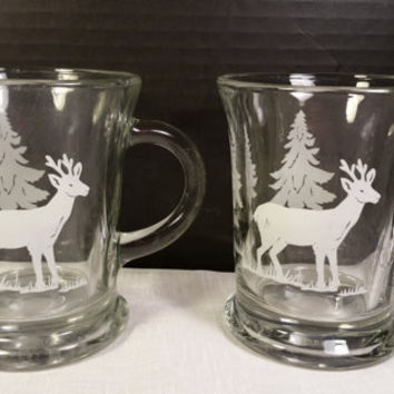 Anchor Hocking Glass Mugs Pair Large Christmas Holiday Crystal Glass White Deer Pine Trees Clear Glass White Etched Mugs Vintage Winter Mugs