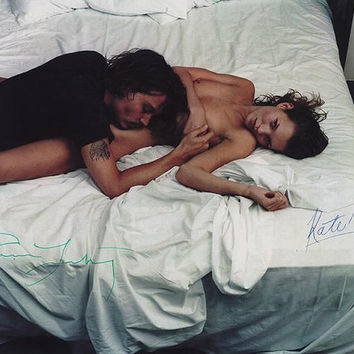 Original signed C-print by Annie Leibovitz with Johnny Depp and Kate Moss